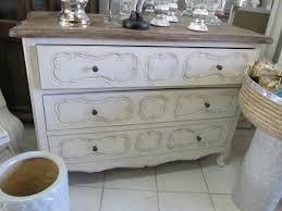 Home inspiration styleandchic for Cerco mobili antichi